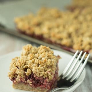 oh-she-glows-strawberry-oat-crumble-bars-1
